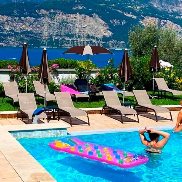 Hotel Antonella Malcesine - Hotel - Gallery - piscina con vista