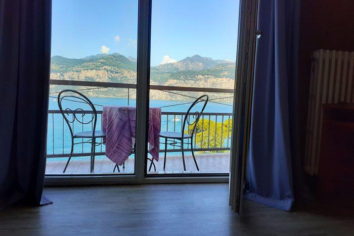 Hotel Antonella Malcesine - Camere - vista - lago - tavolini
