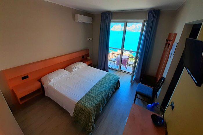 Hotel Antonella Malcesine - Camere - vista - lago - letto
