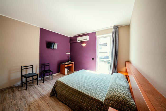 Hotel Antonella Malcesine - Camere - vista - monte - interno luminoso