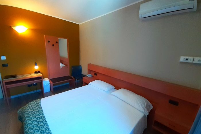 Hotel Antonella Malcesine - Camere - vista - piscina - arredo